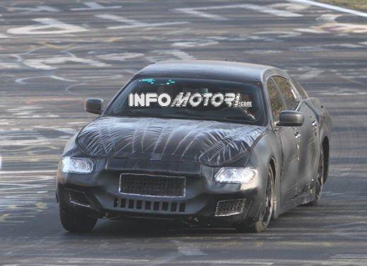 Nuove foto spia della Maserati Quattroporte durante i collaudi - Foto 4 di 18