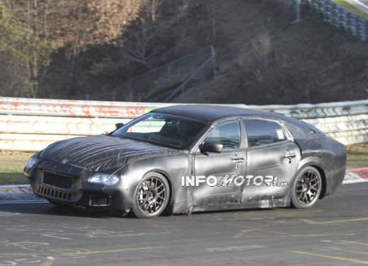 Nuove foto spia della Maserati Quattroporte durante i collaudi - Foto 6 di 18