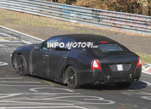 Nuove foto spia della Maserati Quattroporte durante i collaudi - Foto 1 di 18