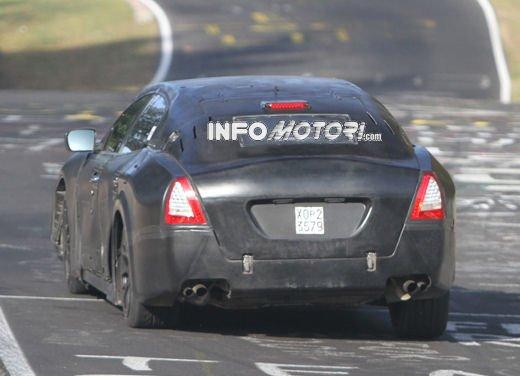 Nuove foto spia della Maserati Quattroporte durante i collaudi - Foto 2 di 18