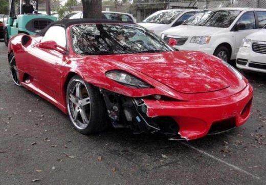 Car crash, gli incidenti più bizzarri delle ultime settimane - Foto 6 di 17