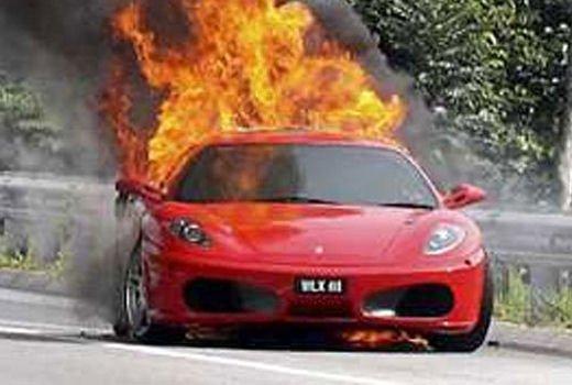 Car crash, gli incidenti più bizzarri delle ultime settimane - Foto 13 di 17