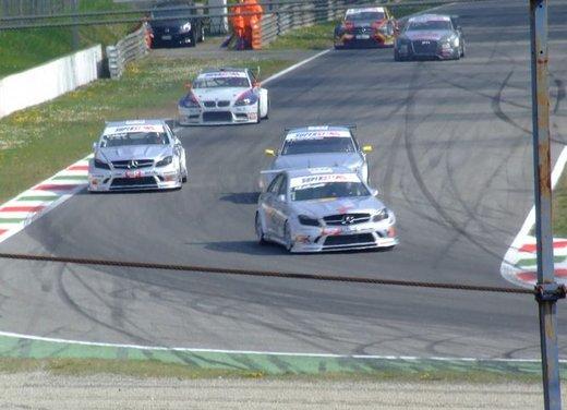 Superstars 2012, a Monza il via al mondiale sotto la stella di Mercedes e Liuzzi - Foto 16 di 35