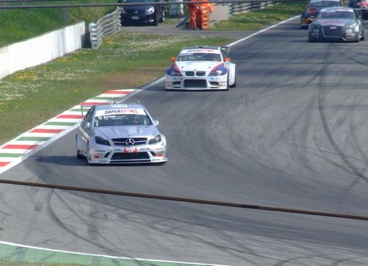 Superstars 2012, a Monza il via al mondiale sotto la stella di Mercedes e Liuzzi - Foto 19 di 35