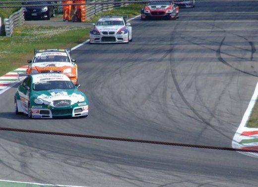 Superstars 2012, a Monza il via al mondiale sotto la stella di Mercedes e Liuzzi - Foto 24 di 35