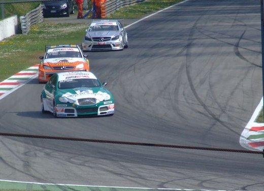 Superstars 2012, a Monza il via al mondiale sotto la stella di Mercedes e Liuzzi - Foto 31 di 35