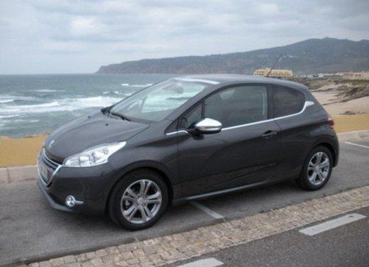 Peugeot 208: prova su strada della city car francese - Foto 14 di 35
