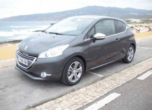 Peugeot 208: prova su strada della city car francese - Foto 15 di 35
