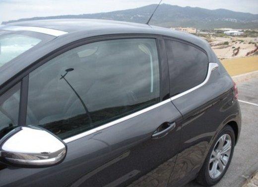 Peugeot 208: prova su strada della city car francese - Foto 16 di 35