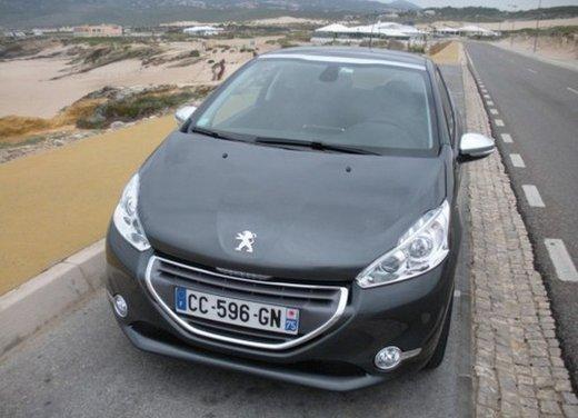 Peugeot 208: prova su strada della city car francese - Foto 22 di 35