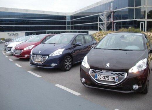 Peugeot 208: prova su strada della city car francese - Foto 24 di 35