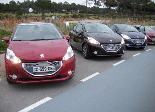Peugeot 208: prova su strada della city car francese - Foto 25 di 35