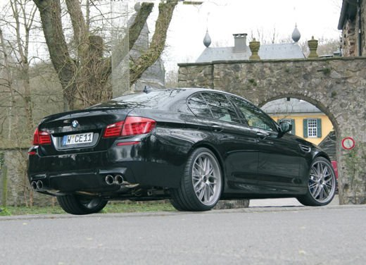 BMW M5 da 624 CV by Manhart Racing - Foto 1 di 9