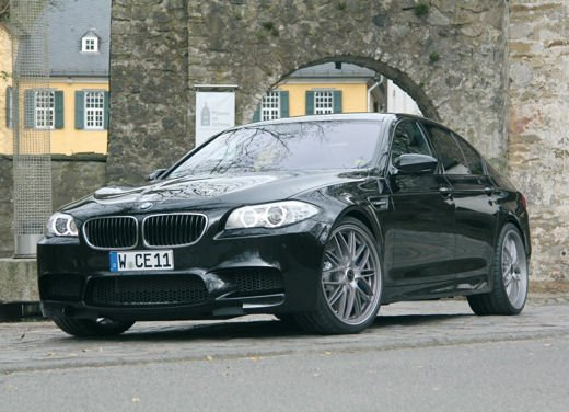 BMW M5 da 624 CV by Manhart Racing - Foto 7 di 9