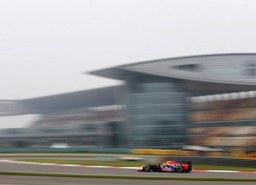 F1 GP Cina 2012: Schumacher primo nella seconda sessione di prove libere - Foto 25 di 32