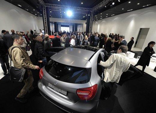 Mercedes Classe A debutta in Italia al Fuorisalone di Milano - Foto 4 di 32