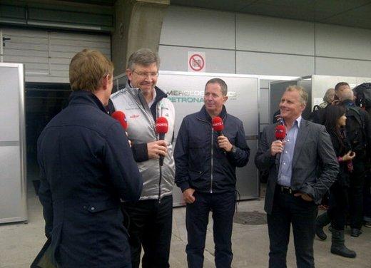 F1 GP Cina 2012: Schumacher primo nella seconda sessione di prove libere - Foto 29 di 32