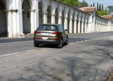 Audi Q3 provata su strada la versione 2.0 TDI da 177 CV - Foto 17 di 48