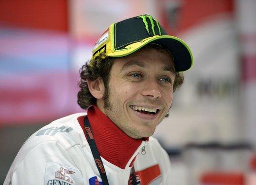 Valentino Rossi fa la danza della pioggia a Jerez per il GP di Spagna di MotoGP - Foto 3 di 12