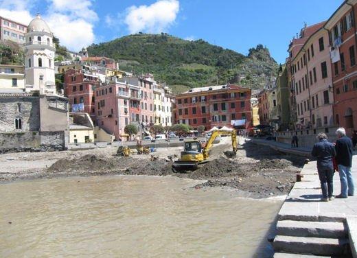 Peugeot iOn consegnata a Vernazza nelle Cinque Terre - Foto 1 di 12