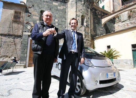 Peugeot iOn consegnata a Vernazza nelle Cinque Terre