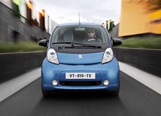 Peugeot iOn consegnata a Vernazza nelle Cinque Terre - Foto 9 di 12