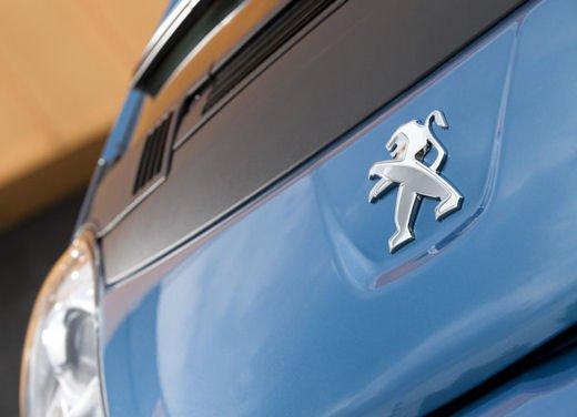 Peugeot iOn consegnata a Vernazza nelle Cinque Terre - Foto 4 di 12