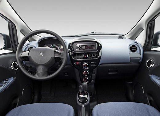 Peugeot iOn consegnata a Vernazza nelle Cinque Terre - Foto 6 di 12