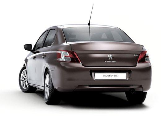 Prime foto spia della nuova Peugeot 301 - Foto 6 di 13
