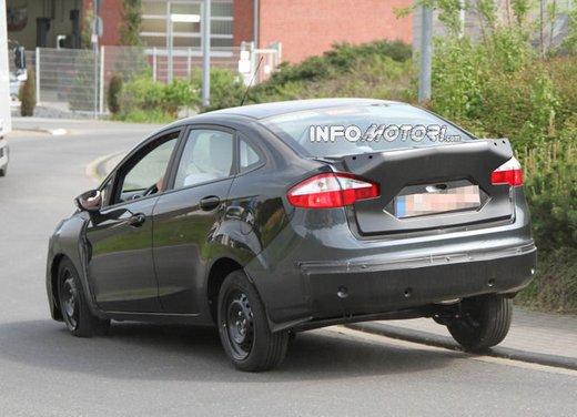 Ford Fiesta 2012, la nuova generazione pronta al debutto - Foto 15 di 24