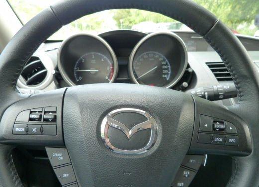 Mazda 3 provata su strada in versione 1.6 diesel - Foto 18 di 34