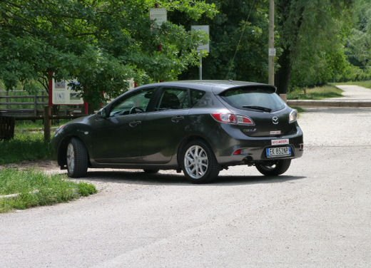 Mazda 3 provata su strada in versione 1.6 diesel - Foto 33 di 34