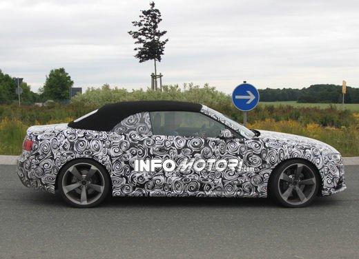 Audi RS5 Cabrio: nuove foto spia - Foto 5 di 10