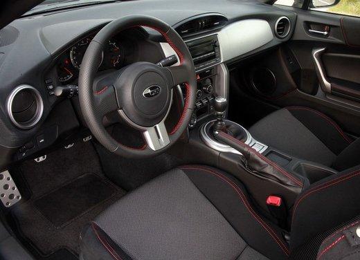 Subaru BRZ: prova su strada della coupé boxer - Foto 17 di 36