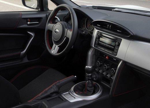 Subaru BRZ: prova su strada della coupé boxer - Foto 18 di 36