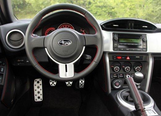 Subaru BRZ: prova su strada della coupé boxer - Foto 21 di 36