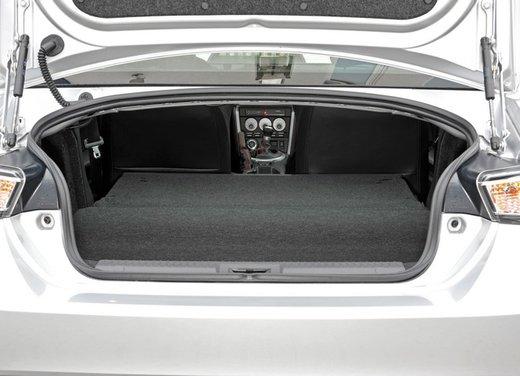 Subaru BRZ: prova su strada della coupé boxer - Foto 32 di 36
