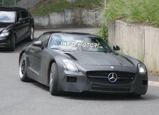 Foto spia di Mercedes SLC AMG, la baby Mercedes SLS - Foto 1 di 10