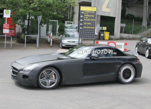 Foto spia di Mercedes SLC AMG, la baby Mercedes SLS - Foto 4 di 10