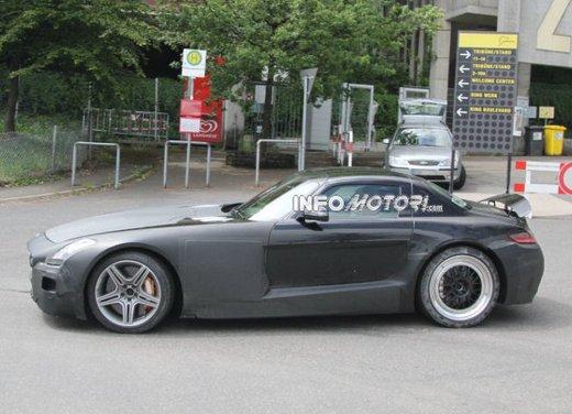 Foto spia di Mercedes SLC AMG, la baby Mercedes SLS - Foto 5 di 10