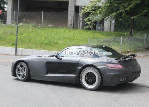 Foto spia di Mercedes SLC AMG, la baby Mercedes SLS - Foto 7 di 10