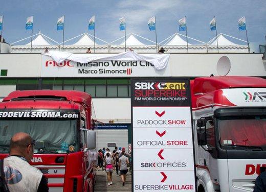 Al GP di Valencia tutti in pista col 58 di Marco Simoncelli - Foto 7 di 42