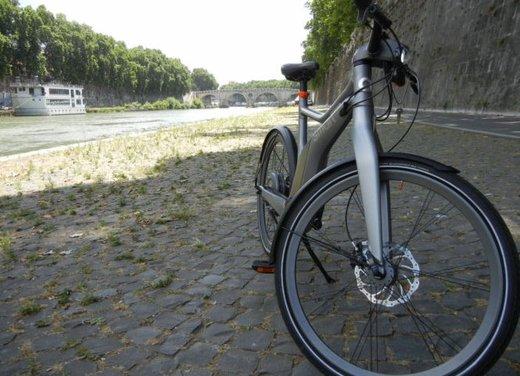 Provata Smart ebike, la nuova bici elettrica di Smart - Foto 11 di 20