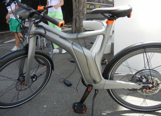 Provata Smart ebike, la nuova bici elettrica di Smart - Foto 18 di 20