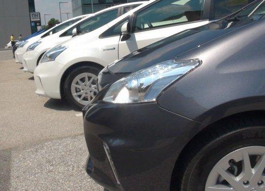 Toyota Prius Plus, provata su strada la monovolume ibrida a 7 posti - Foto 1 di 32