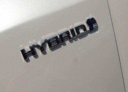 Toyota Prius Plus, provata su strada la monovolume ibrida a 7 posti - Foto 2 di 32