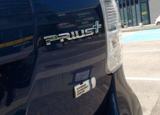 Toyota Prius Plus, provata su strada la monovolume ibrida a 7 posti - Foto 5 di 32