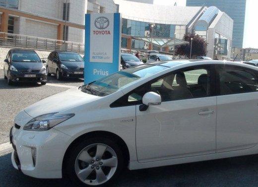 Toyota Prius Plus, provata su strada la monovolume ibrida a 7 posti - Foto 24 di 32