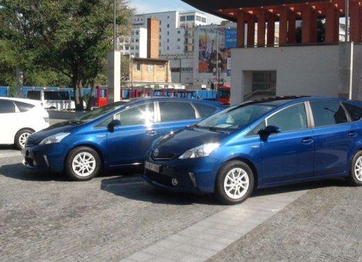 Toyota Prius Plus, provata su strada la monovolume ibrida a 7 posti - Foto 25 di 32