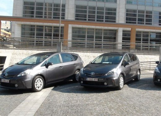 Toyota Prius Plus, provata su strada la monovolume ibrida a 7 posti - Foto 31 di 32